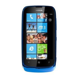 Nokia-lumia-610-cyan-1