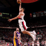 Brandon-roy-of-the-portland-trailblazers-dunks-over-the-lakers-jordan-farmar-during-the-game