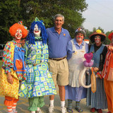Jerry_sloan_with_clowns