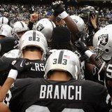 Raider_huddle