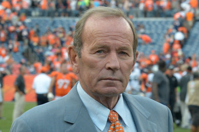 Broncos owner Pat Bowlen honored with prestigious Community Enrichment Award