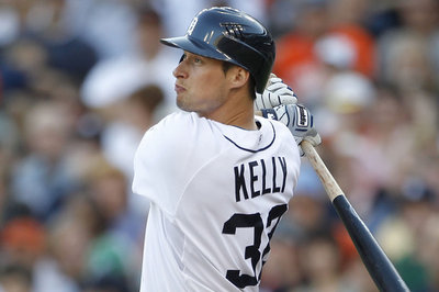 Tigers sign Don Kelly to one-year deal worth $1 million