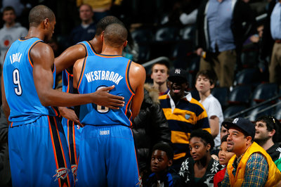 Kevin Durant, Russell Westbrook get into it with Hawks court side fans