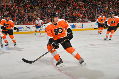 Philadelphia Flyers Midterm Top 25 Under 25, No. 7: Luke Schenn