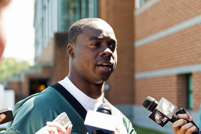 Eagles Re-Sign WR Jeremy Maclin
