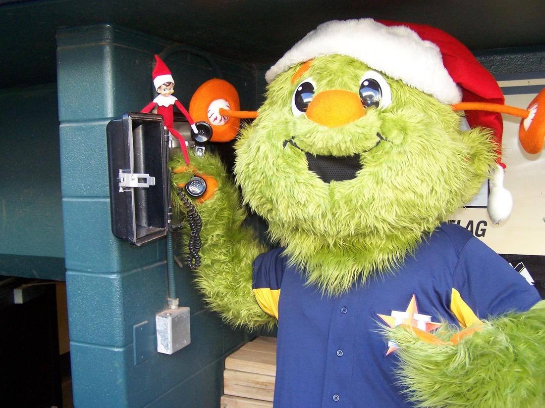 Astros Mascot >> Houston Astros Mascot Orbit Has A Facebook Page Of Course