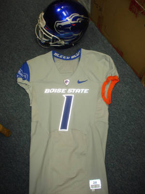 sports shoes 2efe1 25387 Boise State Nike Pro Combat uniforms unveiled, Broncos to ...